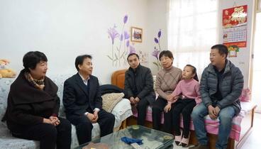 济南市卫计委领导看望慰问援藏干部