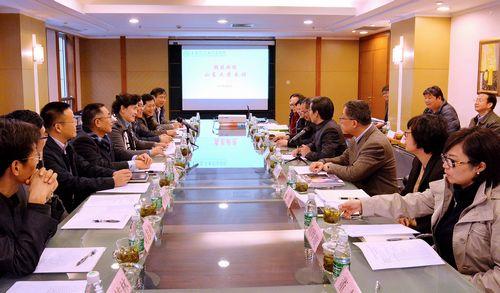 山东大学访问团到上海交大医学院调研图片