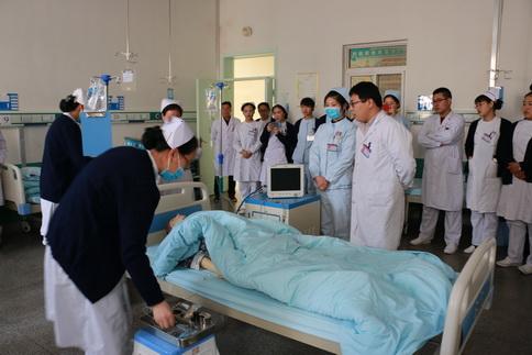 康复医院 开展应急演练 提升护理能力图片