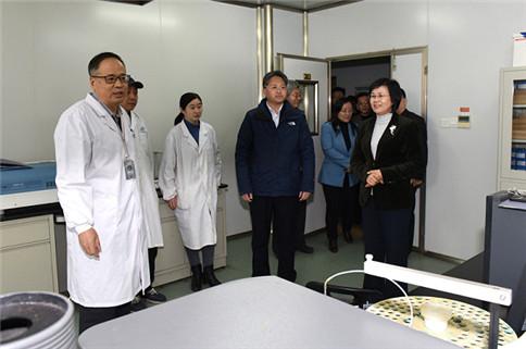 山东省卫健委袭燕主任到省疾病预防控制中心调